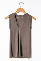 Essential U Neck Black Olive