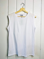 Sleeveless T Label
